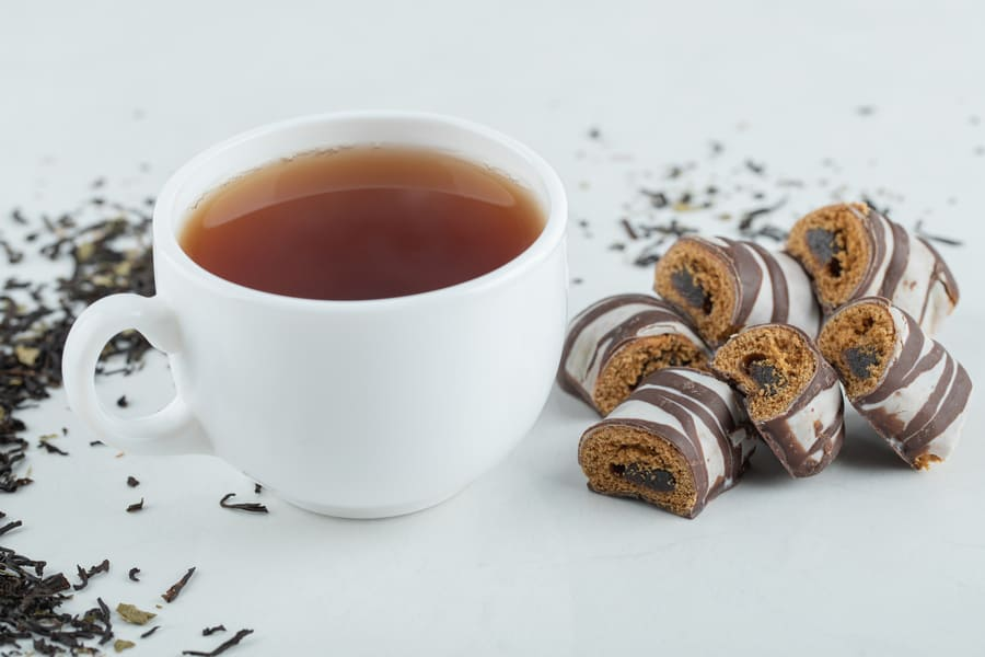 cup-aroma-tea-with-chocolate-bars (1).jpeg